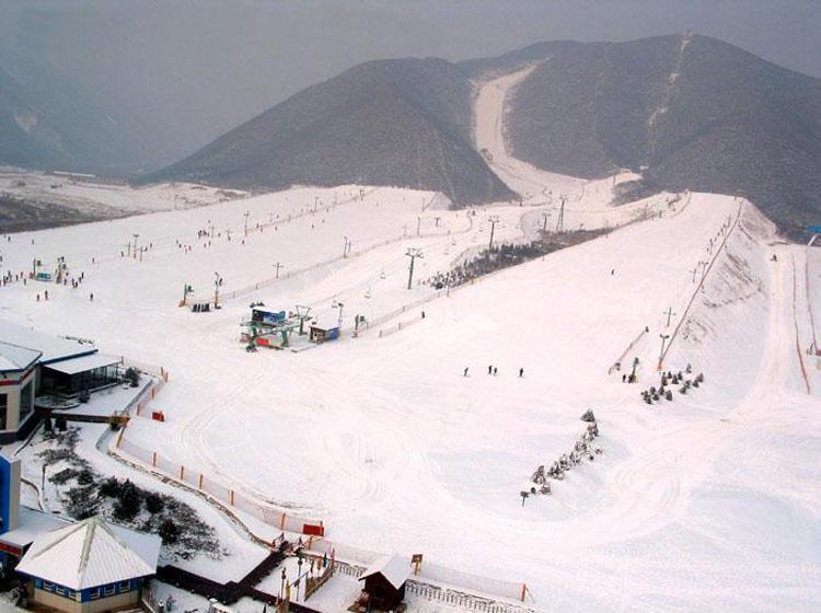 Jundushan-Ski-Resort.jpg